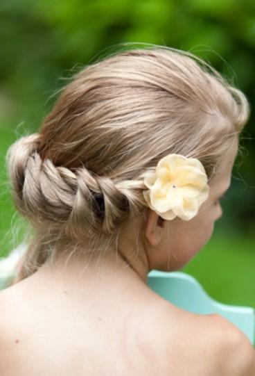 Twist Braid with Flowers