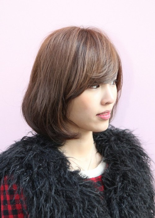 Cute Short Bob Hairstyle with Bangs - Side View of Bob Hairstyle