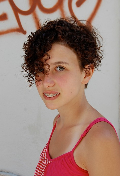 Cute Short Curly Hairstyles for Female