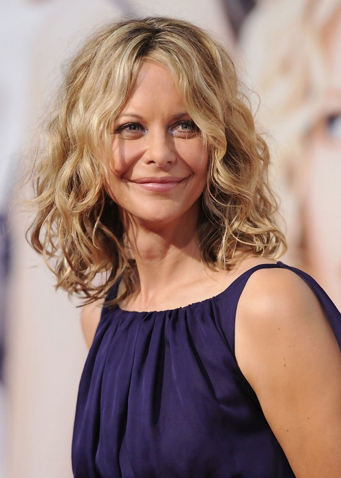 Medium wavy curly long bob hairstyle for women - Meg Ryan Hairstyle