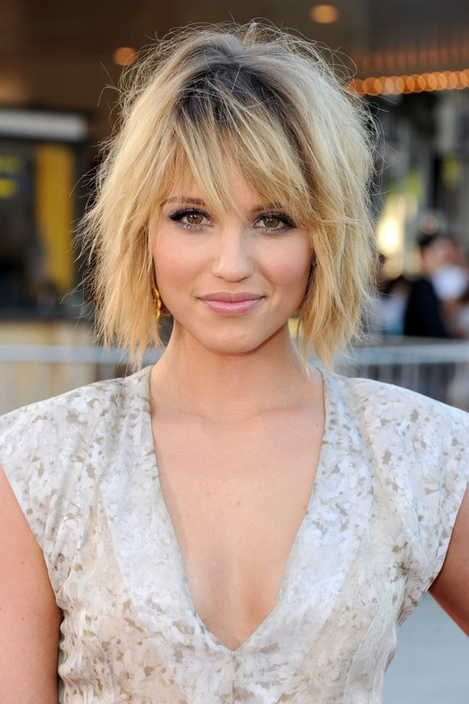 Short Haircut for 2014: Dianna Agron's Layered Bob Hairstyle