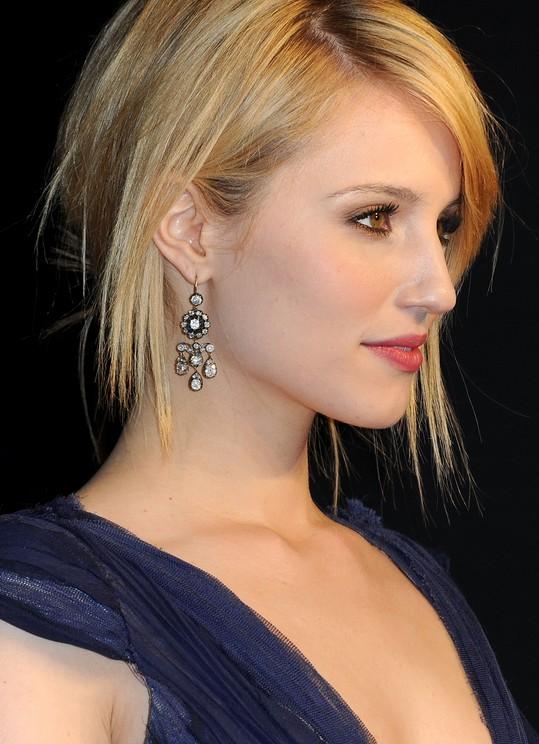 Sleek Short Haircut For Women Dianna Agrons Hairstyle