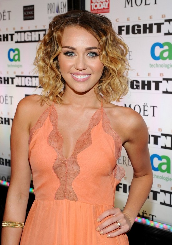 Back to School Ombre Hair: Miley Cyrus Medium Ombre Curly Hairstyle