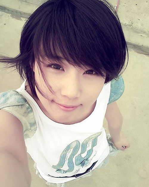 Girls Short Hairstyle with Bangs
