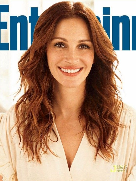 Sexy long brown wavy hairstyle for women age over 40 - Julia Roberts hairstyles