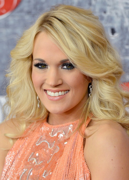 Feminine Amp Pretty Long Blonde Wavy Hairstyle Carrie