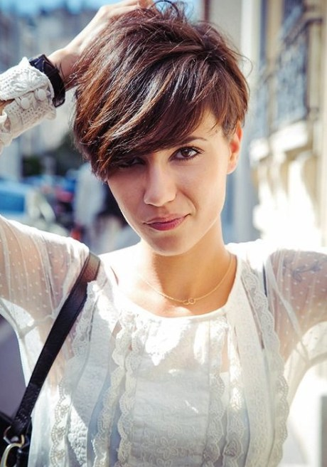 Short Haircut for Summer - Cute Layered Short Hairstyle with Bangs