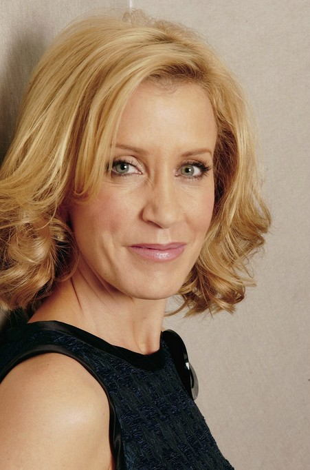 Felicity Huffman - layered thick medium hairstyle for women over 50