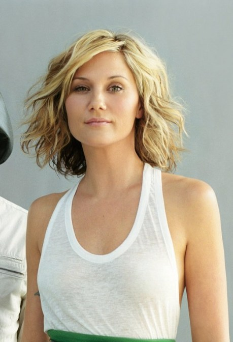 Sugarland Jennifer Nettles Short Haircut - Wavy Bob Hairstyle