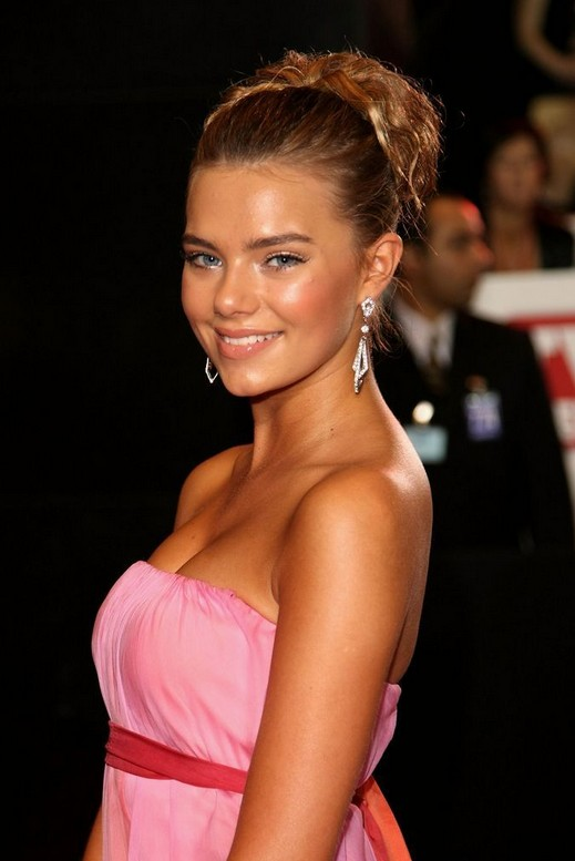 Indiana Evans Long Hairstyles Summer Hair Ideas