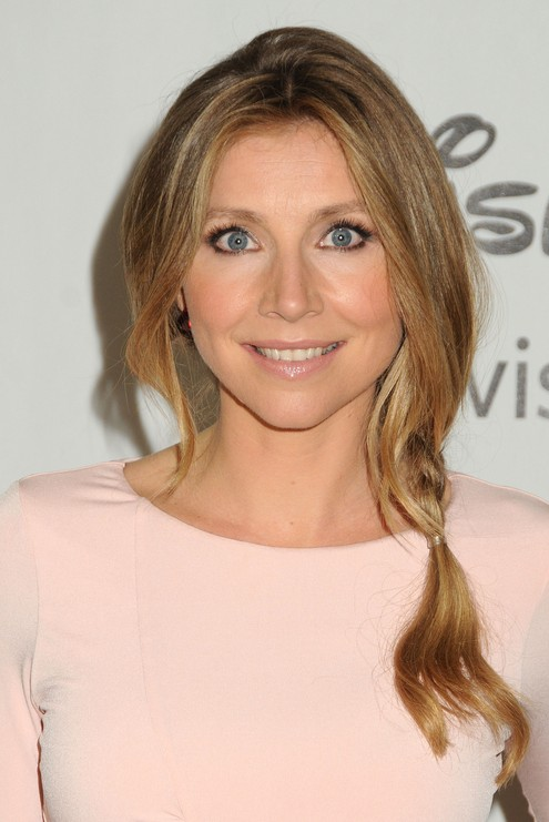 Cute Side Braided Hairstyle For Women Sarah Chalke