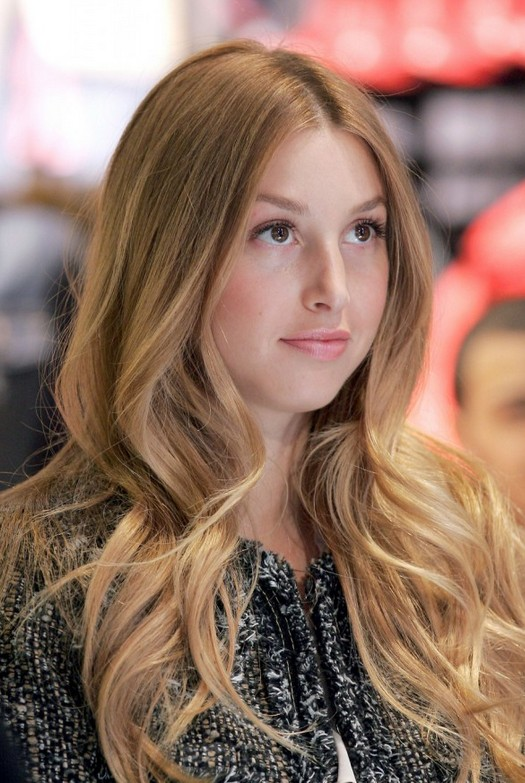 Soft Chic Wavy Hairstyle for Women 2014-2015