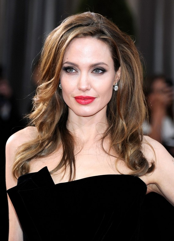 Angelina Jolie Red Carpet Hairstyles for Long Wavy Hair