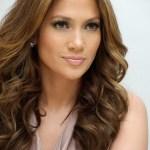 Jennifer Lopez Long Wavy Hairstyle