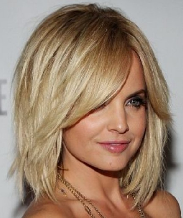 Layered Bob Hairstyle for Thick Hair