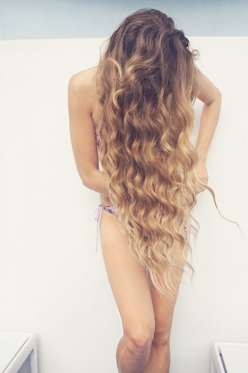 Ombre Long Curly Hairstyle for Summer