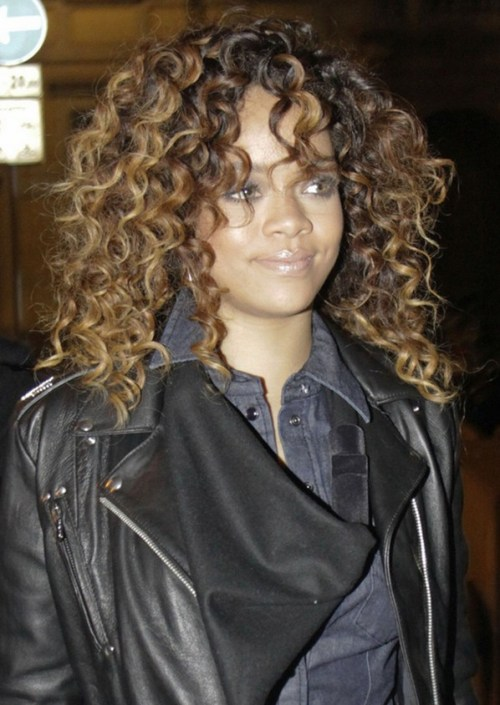 Rihanna Long Curly Hairstyle for Black Women