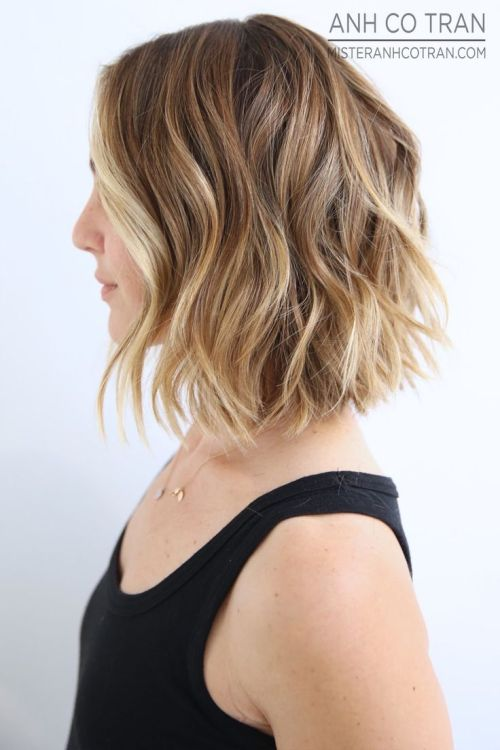 Side view of medium bob hairstyle