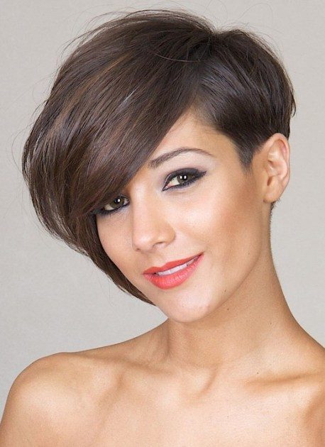 30 Short Hairstyles for Women: Asymmetric Bob Cuts