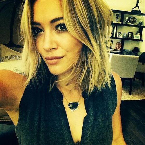 Celebrity Hilary-Duff medium bob hairstyle for thin hair