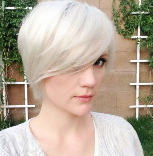 Short pixie hairstyle with bangs for thin hair