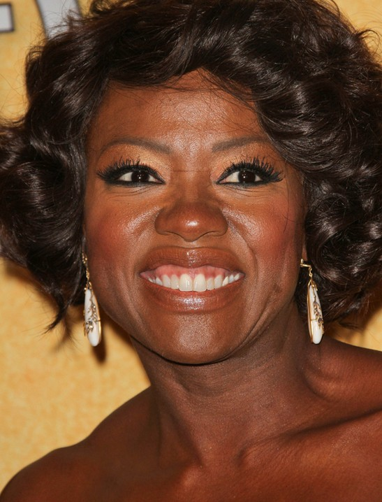 Viola Davis Short Bob Hairstyle for black women with square faces