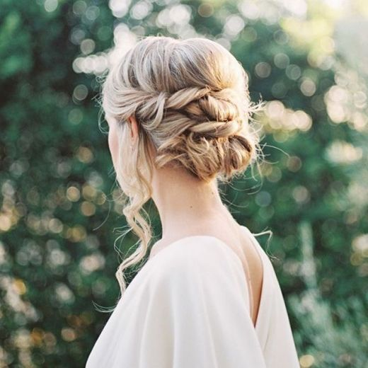 15 Romantic Messy Updos for Wedding