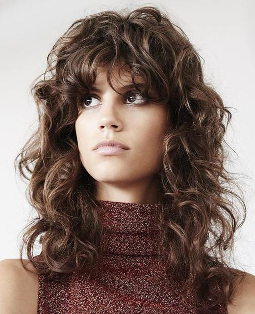 20 Best Feminine Long Shaggy Hairstyles