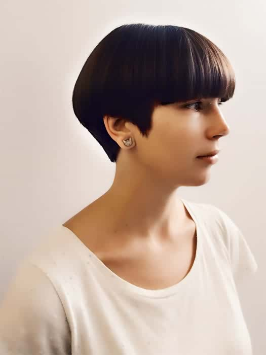 6 Chic Short Straight Haircuts for Women