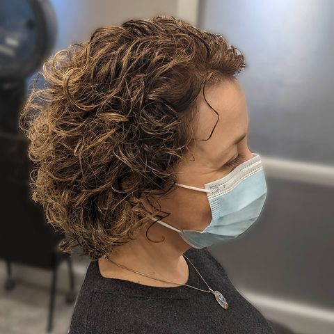 Short & Curly Cuts for a Trendy New Look!