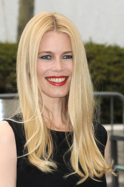 Claudia Schiffer Long And Blonde Hairstyle