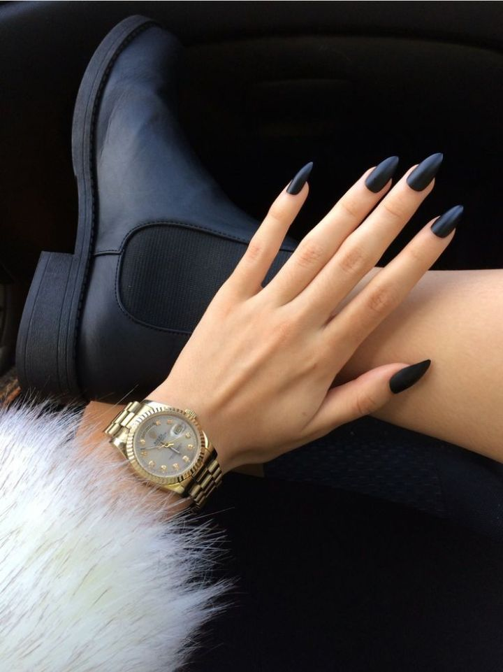 Stiletto Nails – Stylish Weapons That Always Make A Statement ...
