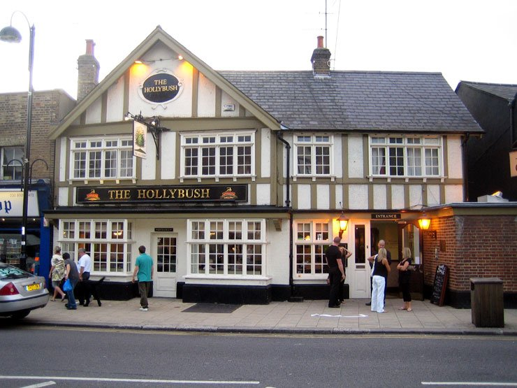 The Hollybush Loughton Essex Pub Review - The Hollybush, Loughton, Essex - Pub Review