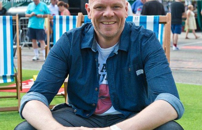 tom kerridge xl blog0117 1 - Tom Kerridge the Chef Lost 150 Pounds Eating Pork Scratchings!