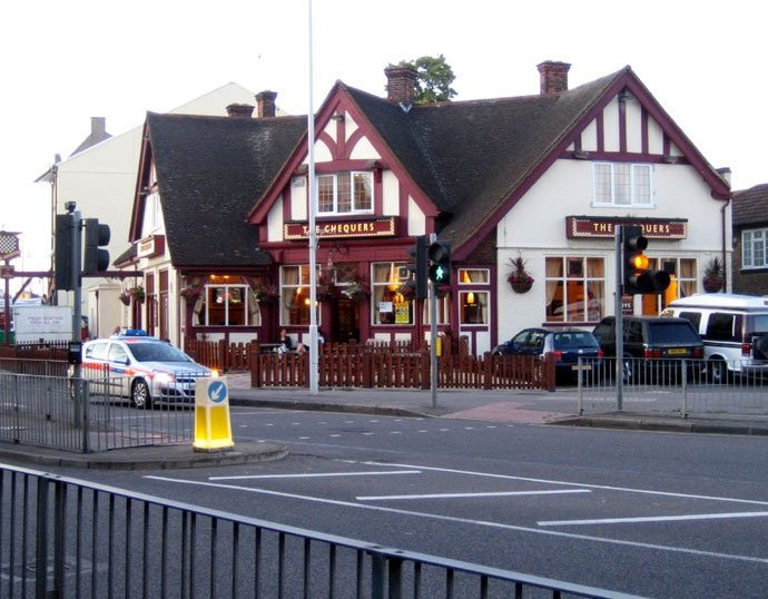 The Chequers Barkingside Essex Pub Review - The Chequers, Barkingside, Essex - Pub Review