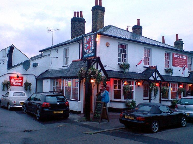 The Red Lion Thames Ditton Surrey Pub Review - The Red Lion, Thames Ditton, Surrey - Pub Review