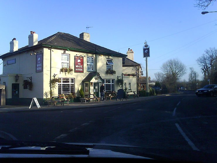 The White Horse Brentwood Essex Pub Review - The White Horse, Brentwood, Essex - Pub Review