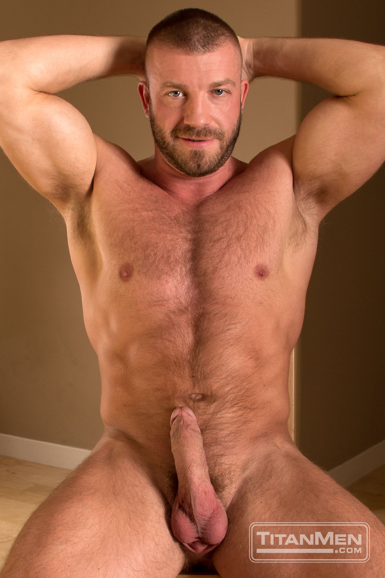 Hunter Marx Fucks George Ce - Hairy Guys In Gay Porn-9877