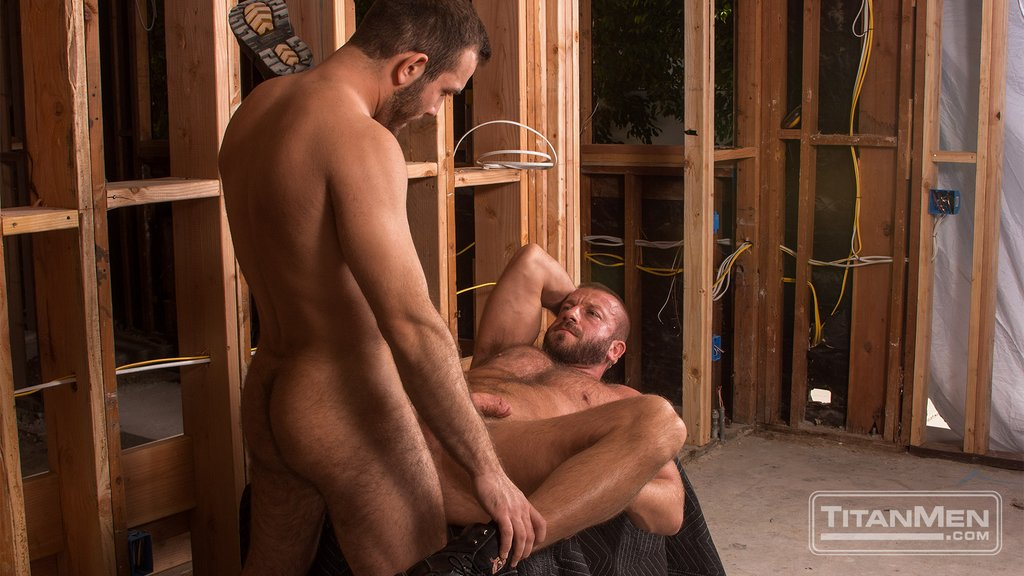 Hairy Guy Adam Thicke Fucks Hunter Marx Hard 05