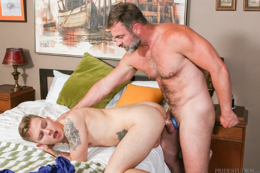 Sexy Daddy Kristofer Weston Drills His Stepson 02