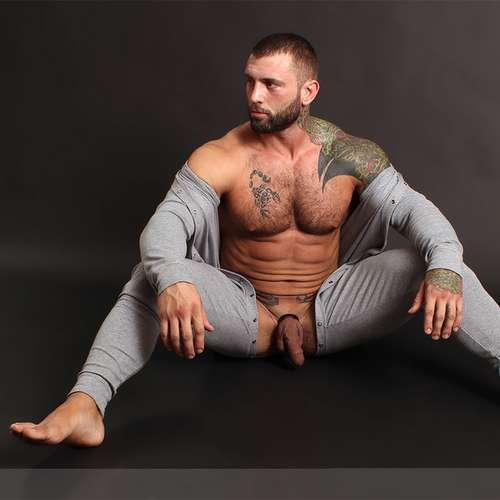 masculine model simon marini