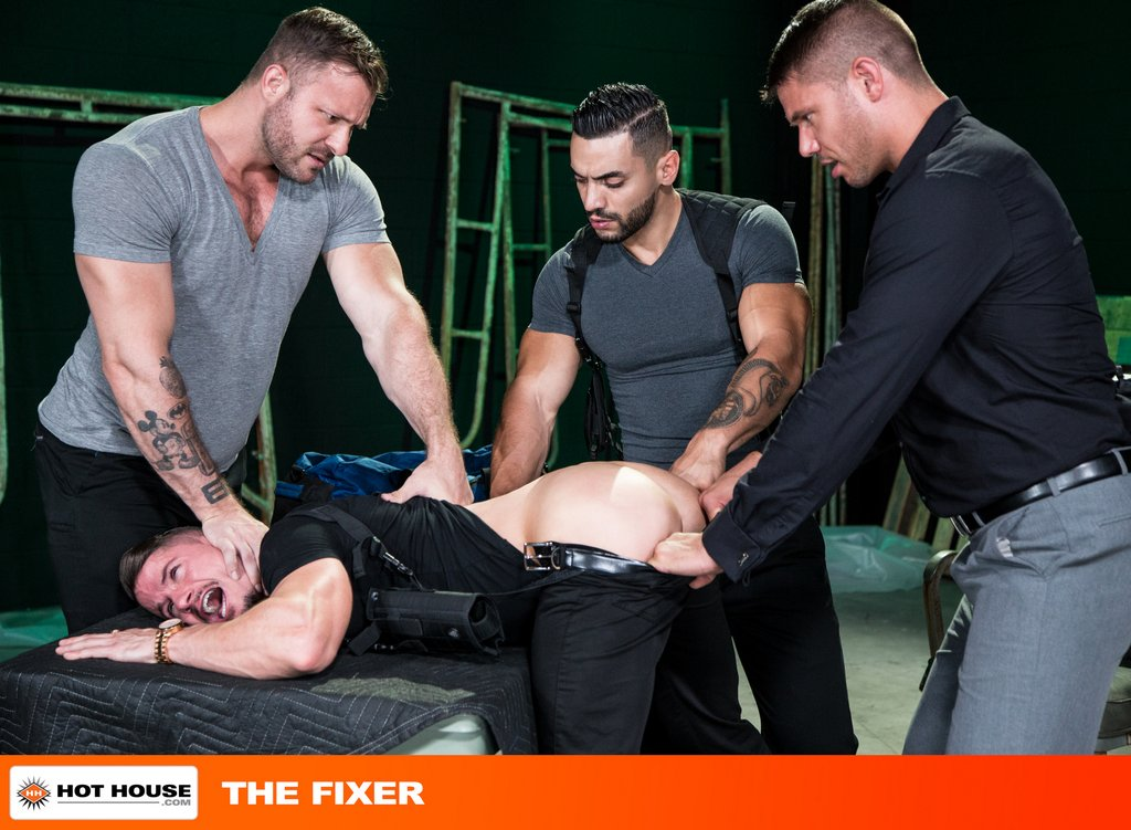 Four Muscle Hunks Fuck Hard with Double Penetration 01
