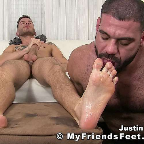 ricky larkin worships feet of justin case