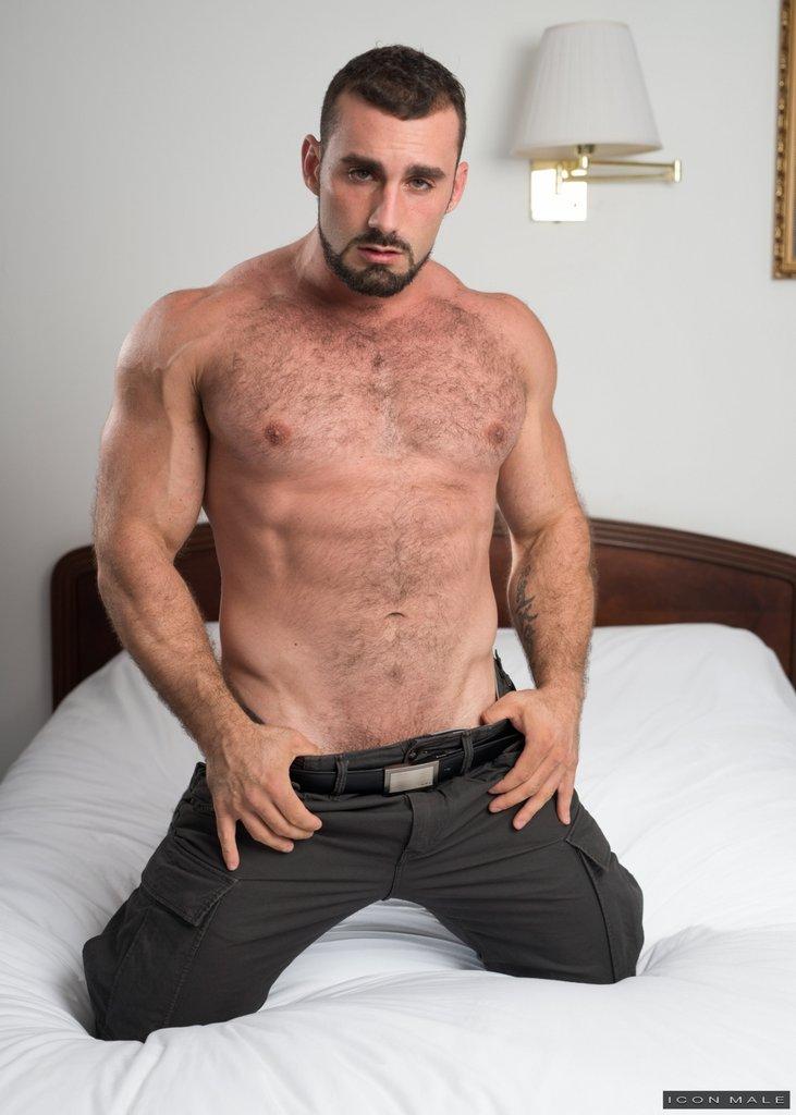 Horny Daddy Jaxton Wheeler Shows Off 04