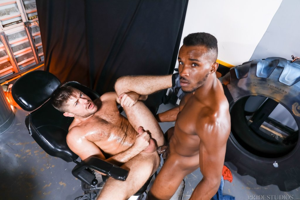 Phoenix Fellington Fucks Jack Andy Deep 05