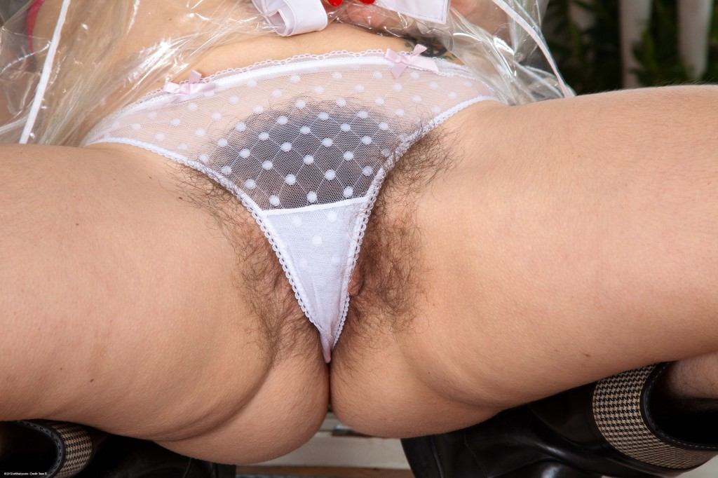 Has touched hairy mature women sitting upskirt no panties the