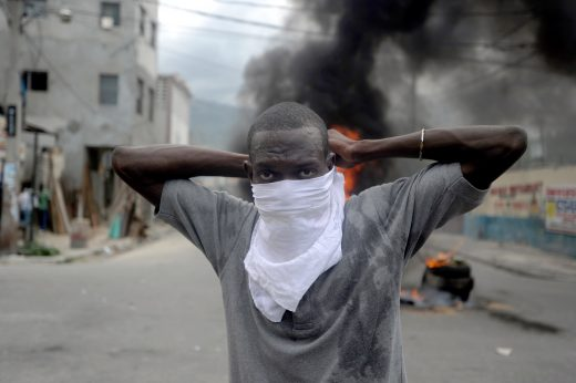 140514HaitiProtests 520x346
