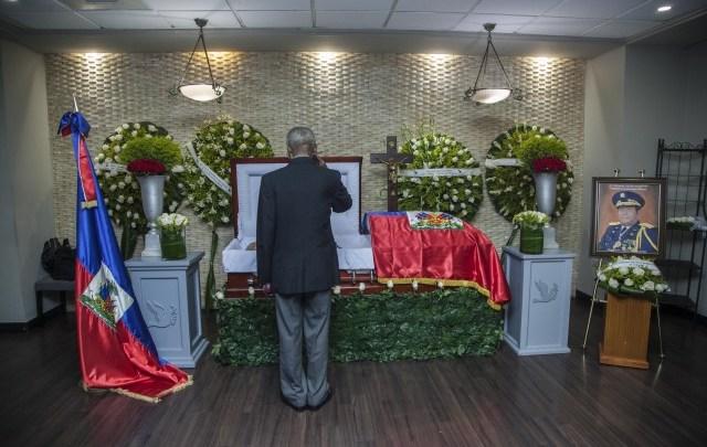 Le général Henri Namphy officiellement enterré à Saint Domingue1