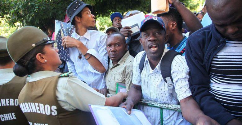 Chili Une experte met à nu le plan pour faire retourner les Haïtiens. El Tipografo