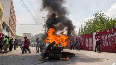 Pneus enflammés au Centre Ville non loin du Palais National dans le cadre des mouvement de protestation contre le président Jovenel Moise.
